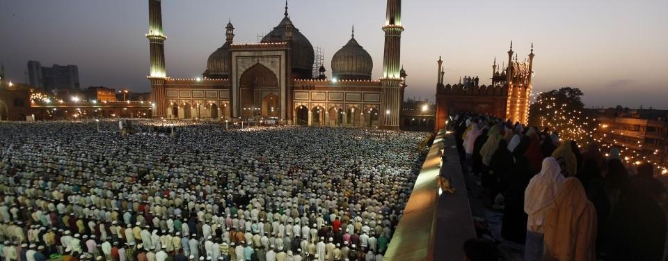 http://nexlaip.files.wordpress.com/2011/04/ratusan-ribu-jamaah-muslim-india-shalat-subuh-di-masjid-_110407091003-381.jpg