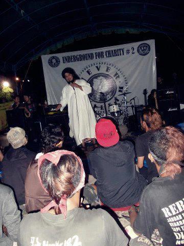 Derry Sulaiman sempat dakwah iman dan yakin kepada pemusik underground sebelum mereka memulakan konsert mereka dibanjar Indonesia...dakwah maksud hidup,hidup untuk dakwah,dakwah sampai mat