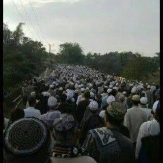 Suasana Pemakaman KH. Uzairon Temboro